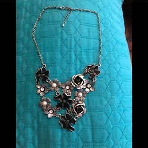 FLORAL BLACK AND SILVER NECKLACE!